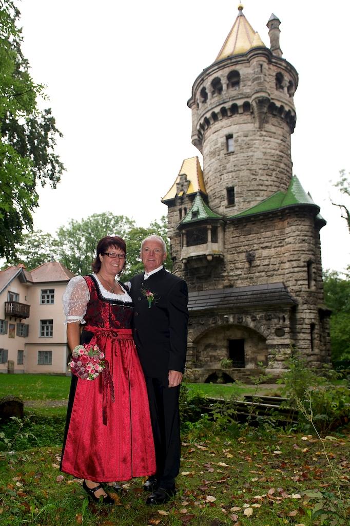 Hochzeitsfoto vor dem Mutterturm
