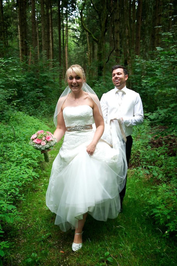Paarfoto im Wald