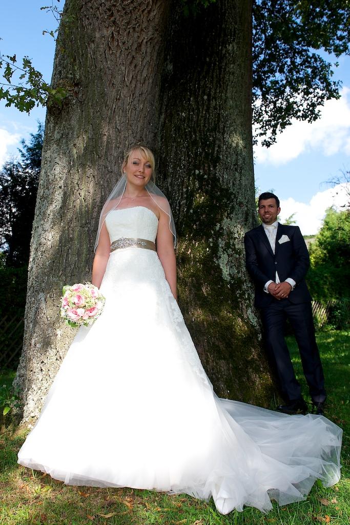 Hochzeitsbild mit Baum