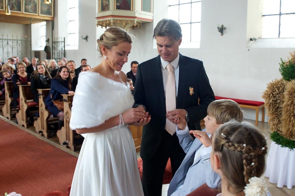 Ringwechsel in der Kirche St. Peter und Paul