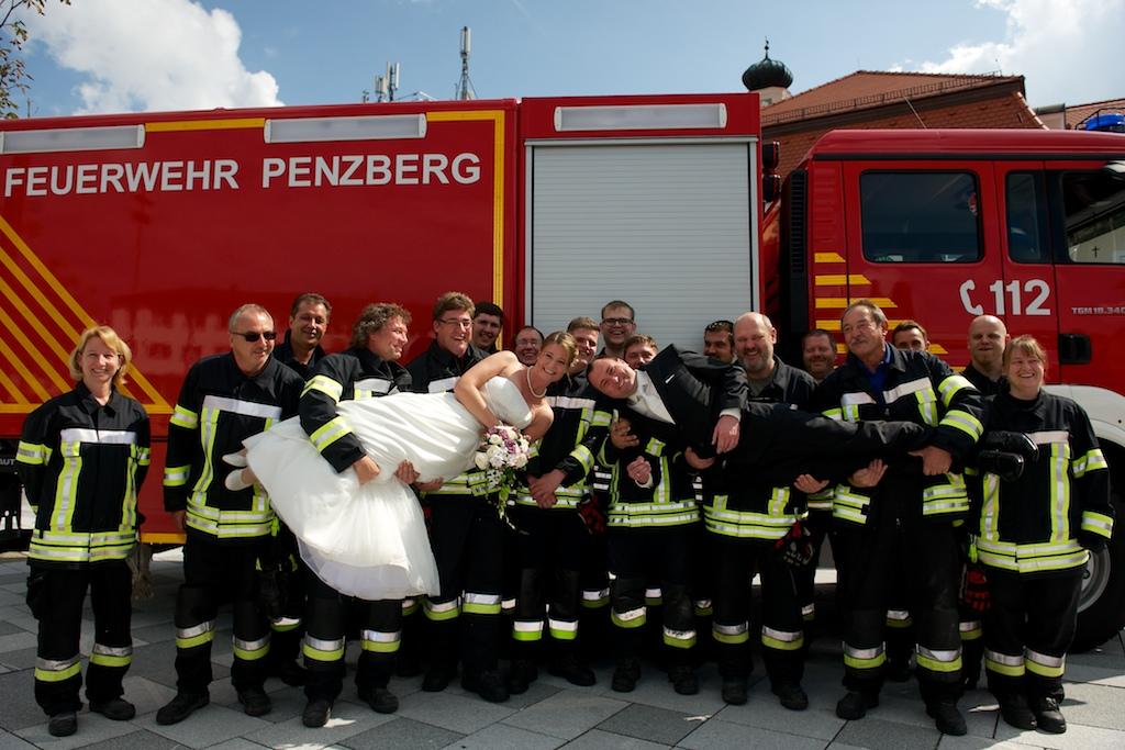 Brautpaar Feuerwehr