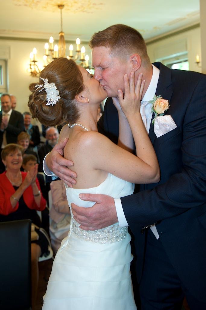 Hochzeitskuss